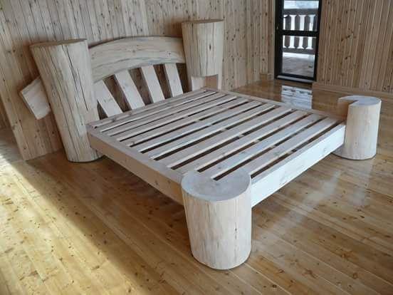 lit rondins   Bois   Meubles en bois de palettes, Mobilier de salon ...