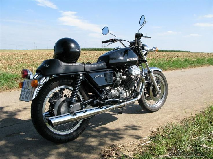 View guzzifelix's 1975 Moto Guzzi 850 T3 on bikepics.com, the world's largest motorcycle sharing website.