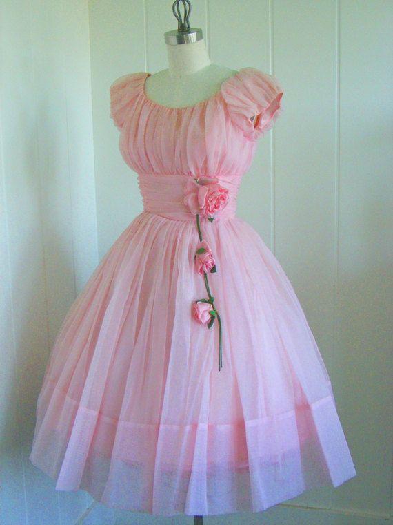 Utterly, utterly darling.#promdress #dress #1950s #partydress #vintage #frock #retro #teadress #petticoat #romantic #feminine #fashion
