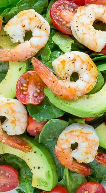 Spinach, Shrimp & Avocado Salad with Zesty Lemon Vinaigrette