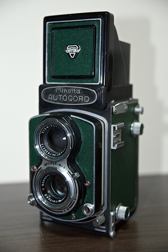 reskinned this 50's minolta autocord TLR