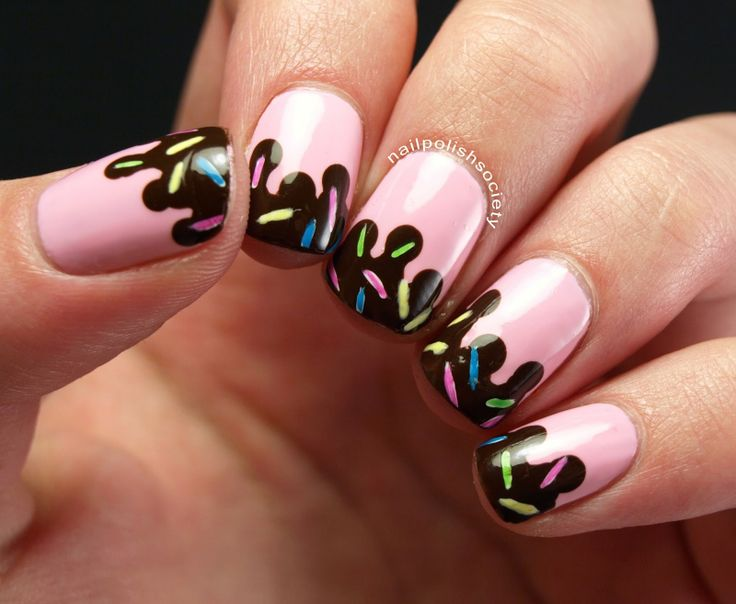 Strawberry Ice Cream With Chocolate Sauce and Sprinkles Nails - it feels so weird to want to actually eat these nails!