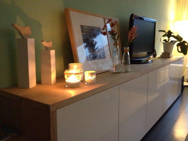 ons eigen eind resultaat besta kastjes v ikea met massief eiken planken bovenop sideboard. Black Bedroom Furniture Sets. Home Design Ideas