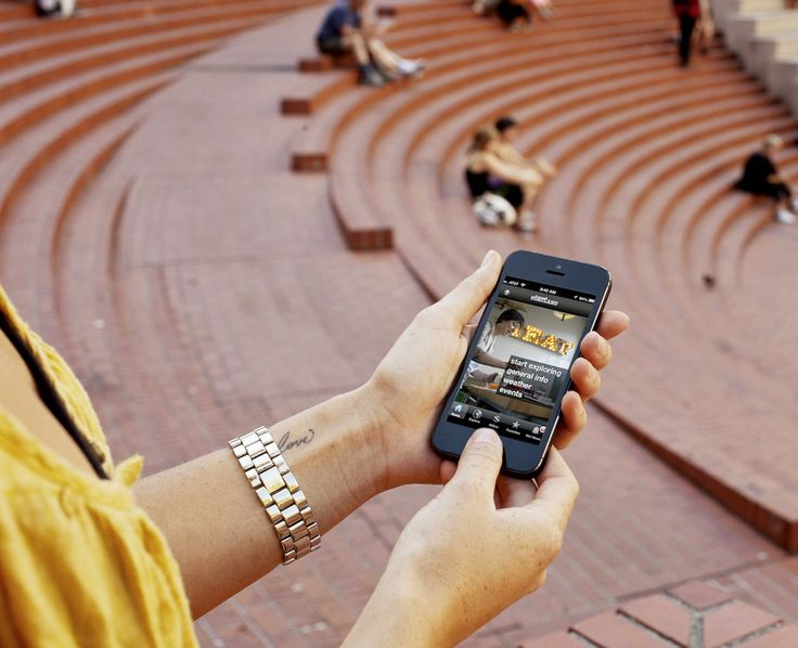 From tracking light rail schedules to pinpointing the right food cart for lunch, smartphone users have access to all sorts of local information right at their fingertips.