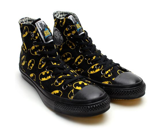 Nothing better than a pair of CONVERSE Chuck Taylor All Star Hi's, but you'd have to admit that these funky batman All Star's do a pretty great job of giving a whole new aspect to these super cool shoes.