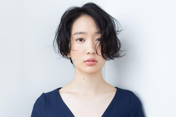 リラックス感のある前下がりショート - BOB - HAIRCATALOG.JP/ヘアカタログ.JP
