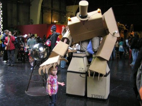 Giant cardboard robots: Offices Supli, Giant Puppets, Robots Costumes Boxes, Giant Robots, Guys, Giant Cardboard, Costumes Ideas, Offices Supplies, Cardboard Robots
