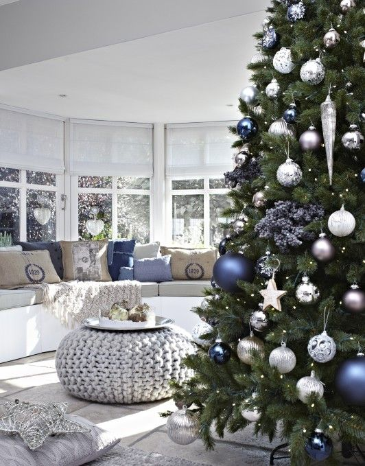 181 best Boompje images on Pinterest Christmas decor, Merry - blue and silver christmas decorationschristmas tree decorations