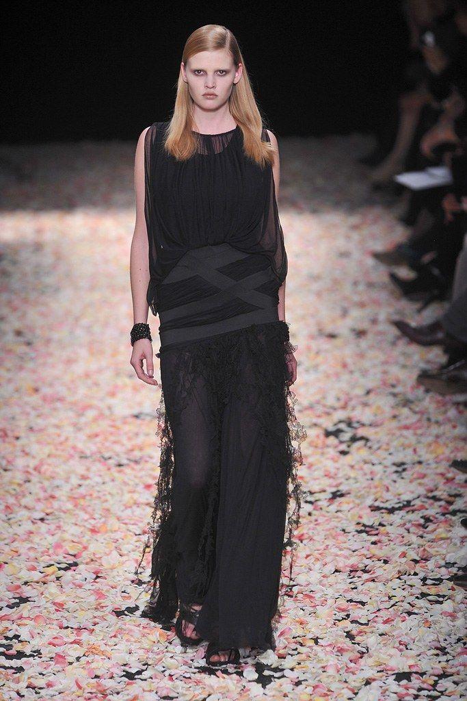Givenchy Spring 2009 Couture Collection Photos   Vogue