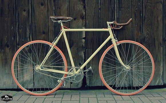 Vintage Bikes Restored And Customized By Hand Gessato Bike Restoration Vintage Bikes Fixie Bike