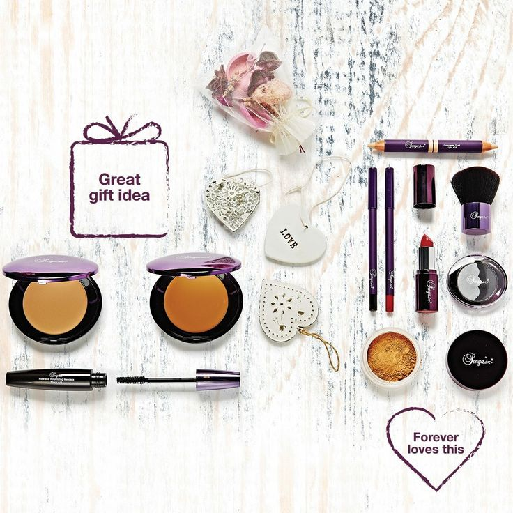 Treat your skin to a make-up range infused with Aloe, leaving you looking flawless and radiant! All the Make-Up bag essentials can be found in the Flawless by Sonya range from Forever Living Products #AD #Click2Buy