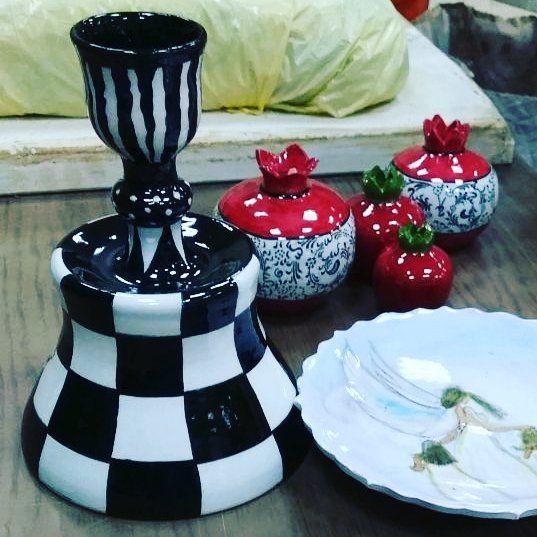 Şamdanlarım fırından sağ salim  çıktı #tileart #tile #handmade #handpaint #handpainted #ataturk #atatürk #instahome #chess #dama #candlestick #greatleaderatatürk #mustafakemalatatürk #decorativearts #decoration #homedecor  #blackandwhite #satranç #siyahbeyaz #byneshka #çini #elboyama #karo #çiniboyama #şamdan #mumluk #çinisanatı #şekerlik #candleholder