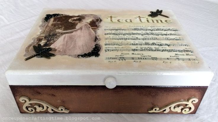 Vintage Tea Box with Dragonfies