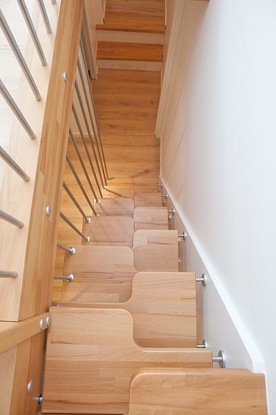 escalier gain de place a pas japonais ou decal compact et pur design en 2019 escalier. Black Bedroom Furniture Sets. Home Design Ideas