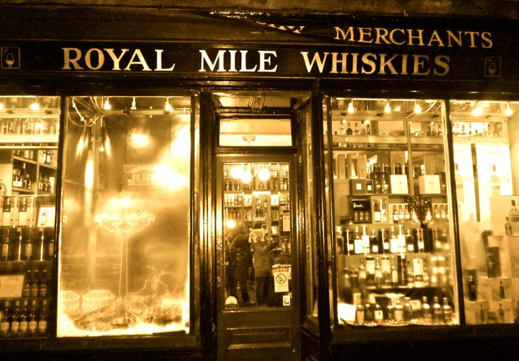 Whisky shop Edinburgh, Scotland