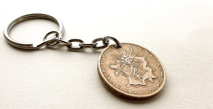 French keychain, Coin keychain, Vintage keychain, Keychain, French coin, Coin charm, Vintage coin, Upcycled coin, France, Coins, Charm, 1976 by CoinStories on Etsy