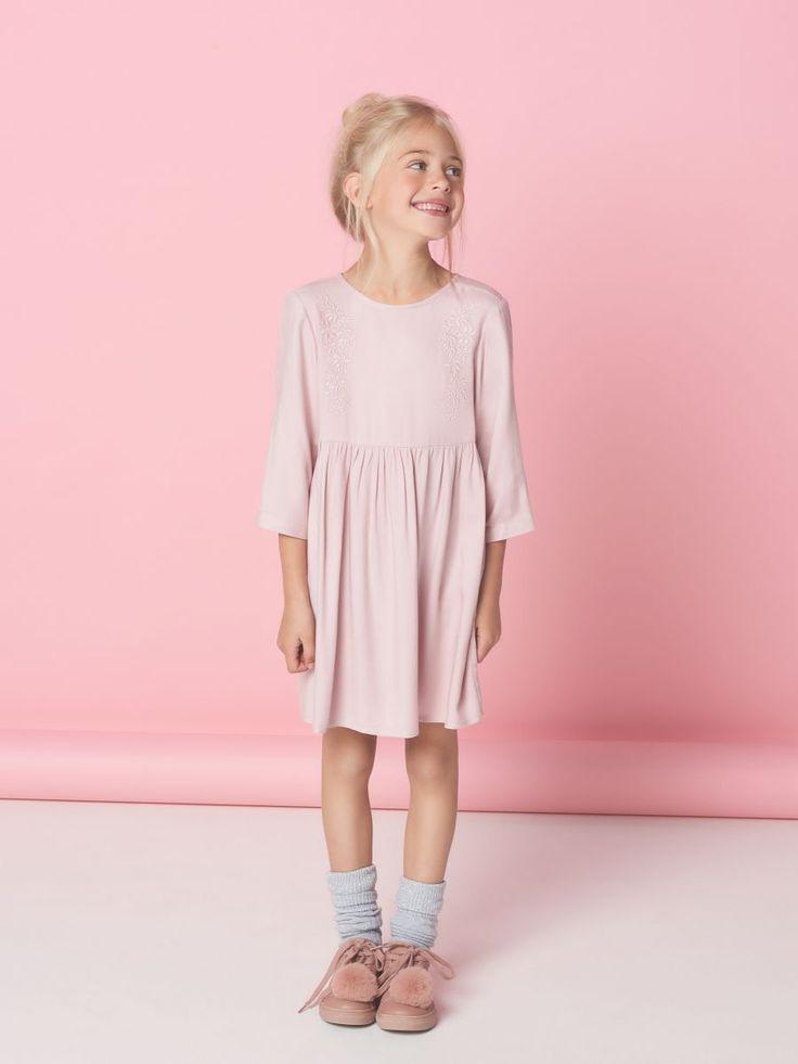 Lekka sukienka z kwiatowym haftem LITTLE PRINCESS, MOHITO, SL461-39X