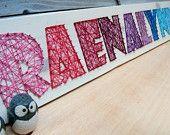9 lettre chaîne moderne Art nom en bois comprimé - sur mesure