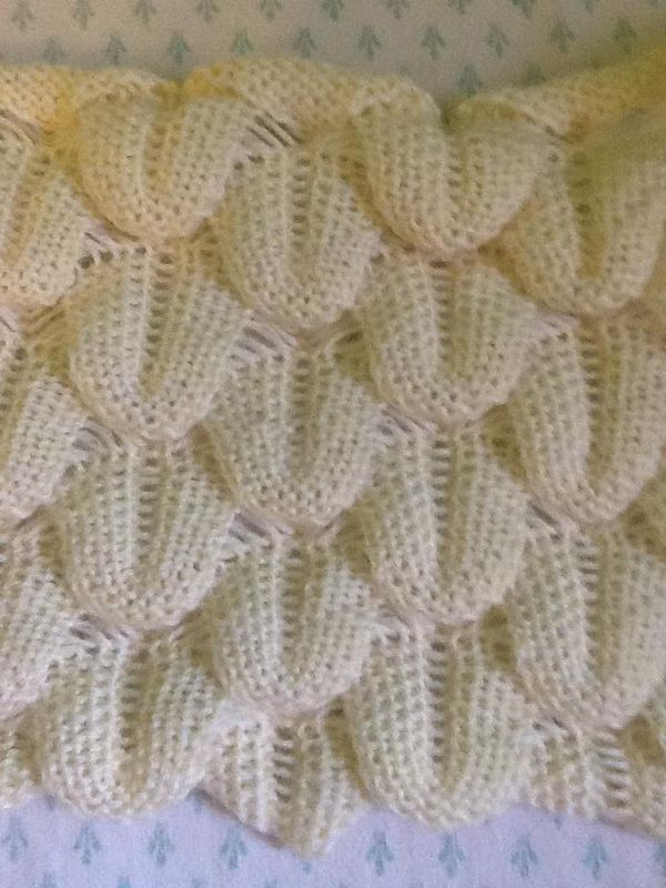 Knit Crocodile Stitch Written Instructions : The 530 best images about machine knitting on Pinterest Hand knitting, Knit...