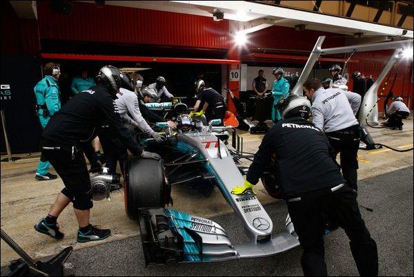 F1 Test, Barcellona: Testa a testa Bottas-Vettel