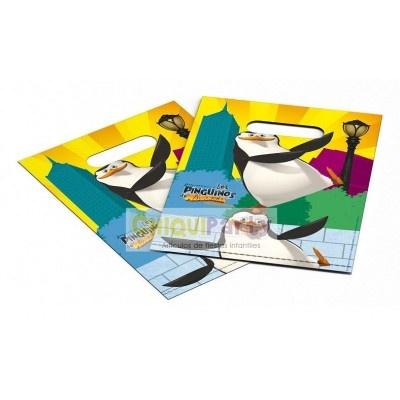 Bolsas para chuches o regalitos de fiesta de cumpleaños de los pingüinos de Madagascar que podeis ver en nuestra tienda http://www.articulos-fiestas-infantiles.es/457-fiesta-pinguinos-madagascar