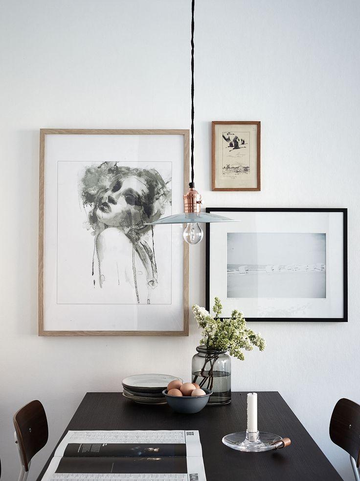 Art arrangement on the wall