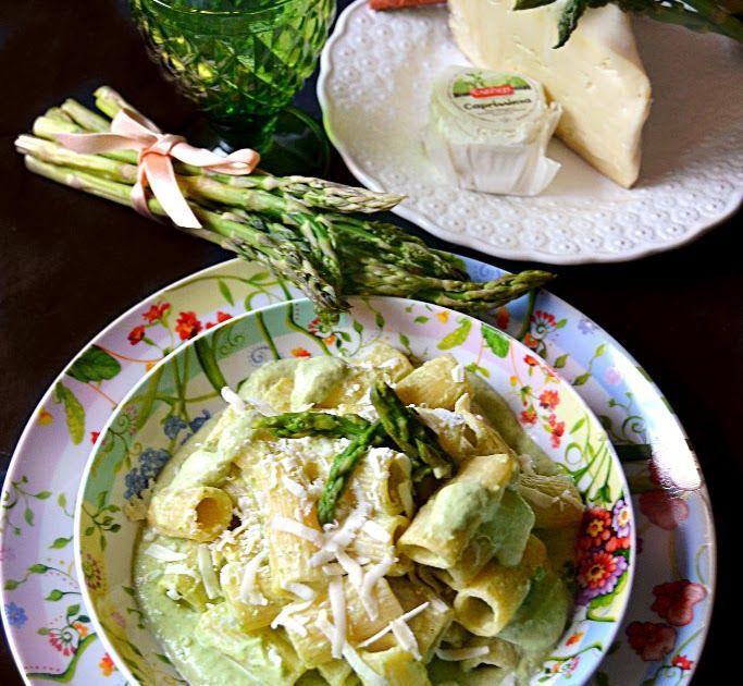 Rigatoni con pesto di asparagi, formaggio di capra e noci