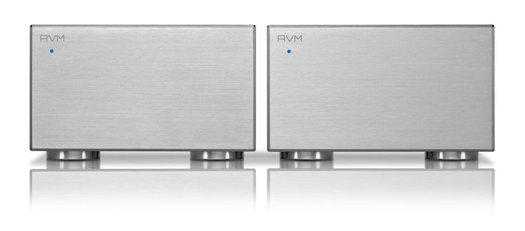 The AVM Evolution MA3.2 mono blocks. Class leading power and sound.