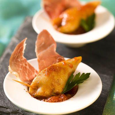 Découvrez la recette Petits calamars farcis sur cuisineactuelle.fr.