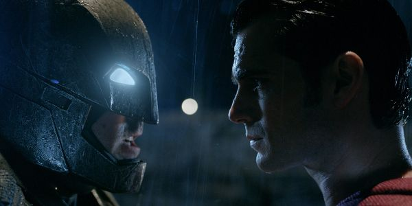 The Cool Batman V Superman Detail That Was Just Introduced In The Comics #FansnStars