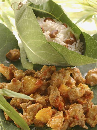 Curry de porc aux pêches : Recette de Curry de porc aux pêches - Marmiton