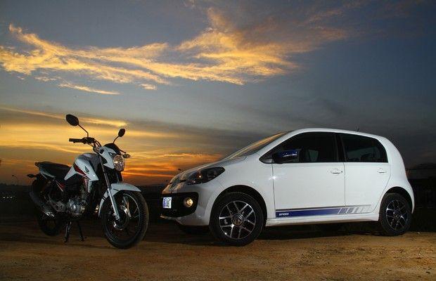 Comparamos o consumo do carro mais econômico do Brasil, VW up! TSI, com a nova Honda CG Titan 160, usando etanol; o resultado surpreendeu