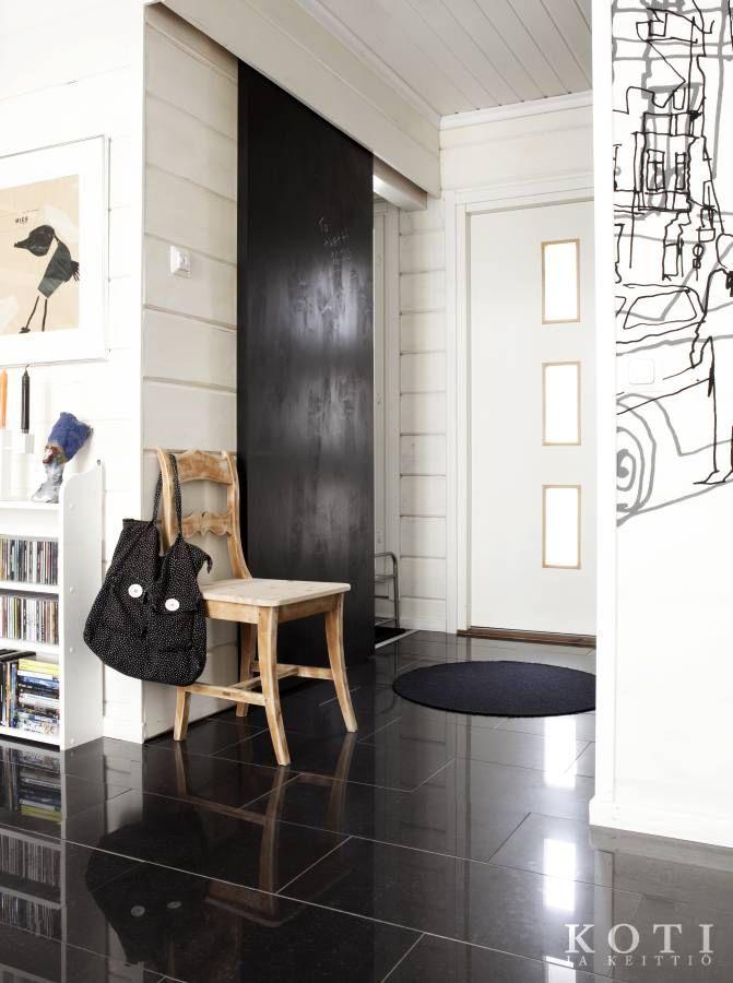 Mustavalkoinen hurmuri | Koti ja keittiö | Kuvausjärjestelyt Johanna Ilander | Kuva Fabian Björk