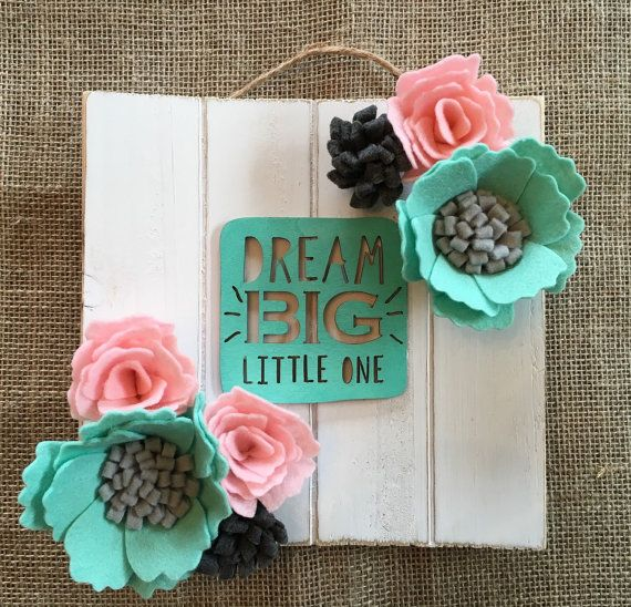 Dream BIG  Wooden wall sign with handmade felt by ElleandLu