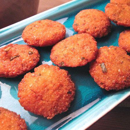 La cuisine réunionnaise : samoussas, bonbons piment, bouchons...