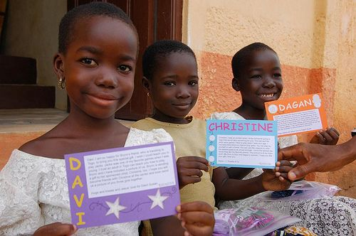 Not sure what you can mail to your sponsored child? Click through to find tips for mailing small gifts. You will be surprised what you can mail! #writetoyoursponsoredchild