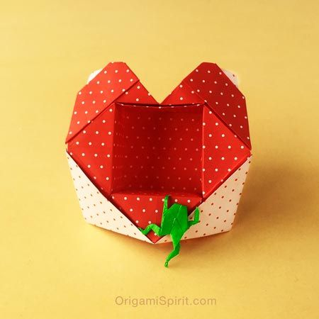 How to Make an Origami Heart-Box - Valentine's Day is just around the corner. As with any other holiday, it offers a good excuse to make some sweet origami hearts, and give lots of kisses to our favorite princes and princesses. If you don't celebrate Valentine's Day? Not to worry! Love is one of the best excuses to make an origami box, and let that special someone know of your love for them.
