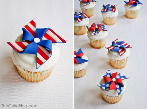 Patriotic Pinwheels :: Cupcake Monday | The TomKat Studio {via The Cake Blog}