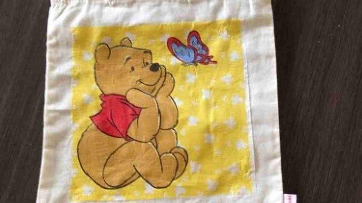 #Katoenentasjes zijn bewerkt met #servettentechniek.Afmeting 22 x 22 cm zonder de hengsels gemetenLeuk voor #kinderen om l#unch in mee te nemen naar school Brievenbuspost