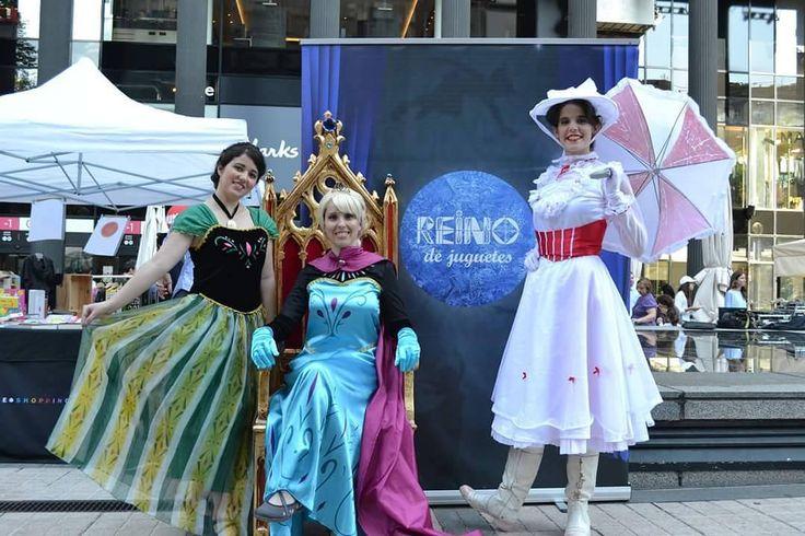 Recordando el evento de @chicytin ! Lo pasamos en grande bailando y cantando con los peques ������ #disney #cosplay #frozen #elsa #MaryPoppins #fiestas http://misstagram.com/ipost/1547778559995604531/?code=BV60GZbgO4z