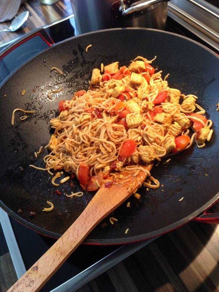Low Carb Rezepte mit viel Eiweiss und wenig Kohlenhydrate. Kochen mit dem Wok.