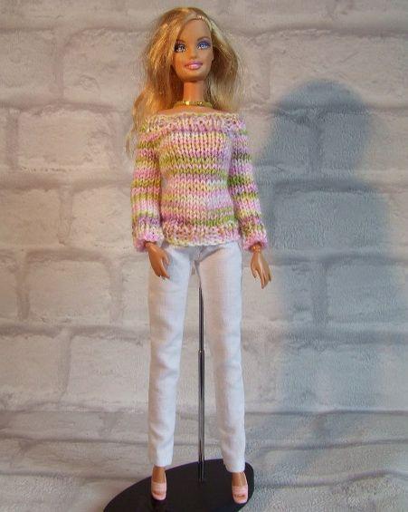 B229 Trui roze groen op witte broek - Pop Fashion World