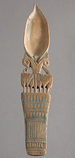 """Called """"spoons eye"""" of the spoon bowls crafted to handle often bucolic grounds. None door track to elucidate the nature of their content. Most date back to the New Kingdom (1400 to 1200 BC), some dating from the 25th Dynasty (715-656 BC). 