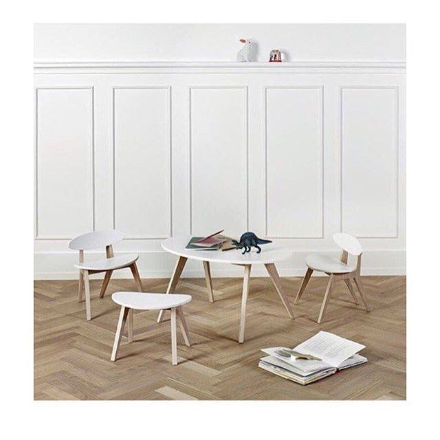 Disse små møblene fra Oliver Furniture er et kunstverk i seg selv! De kan bestilles hos oss på Holmen Senter og snart i nettbutikken vår: 💫muffet.no💫 #barneinspirasjon #barneinteriør #barnemøbler #barnerom