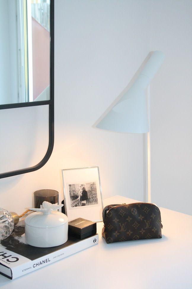 Tati mirror | Asplunds | AJ lamp