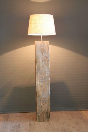 Staande vloer lamp Massief hout 140 cm hoog