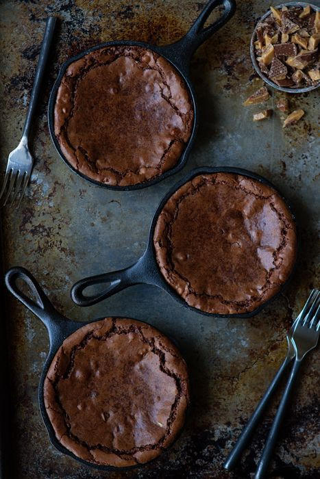 Skillet Brownies recipe -- chocolaty, warm and delicious. One of the yummiest looking desserts ever!