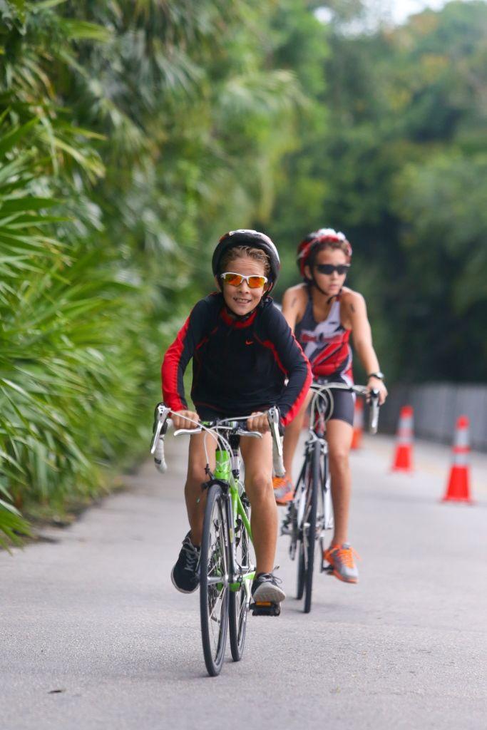 Brillante la participación infantil en el Triatlón Xel-Há 2014