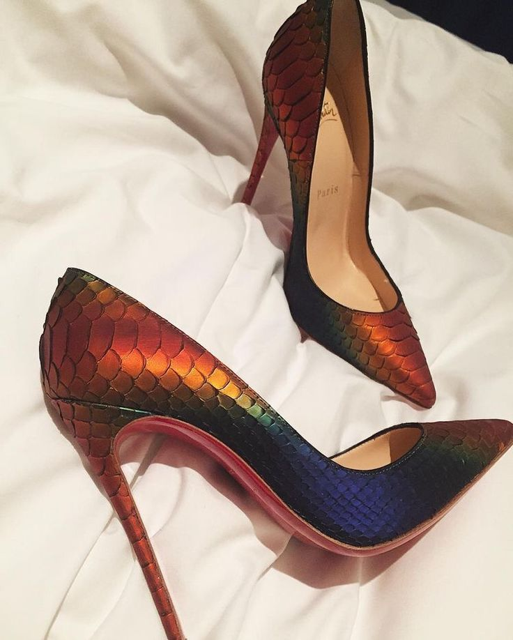 25 best ideas about christian louboutin heels on pinterest christian louboutin christian. Black Bedroom Furniture Sets. Home Design Ideas