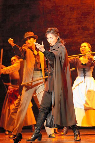 写真:「パルムの僧院」公演から、フェランテ役の月城かなと=撮影・岸隆子